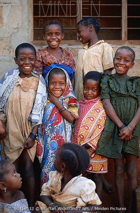 Smiling children Zanzibar, Tanzania East Africa  -  Staffan Widstrand/ npl