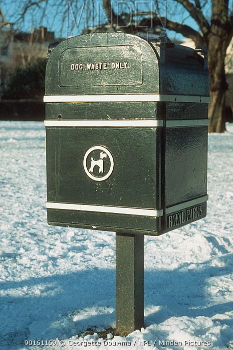 Dog waste disposal bin, Regents Park, London, England  -  Georgette Douwma/ npl