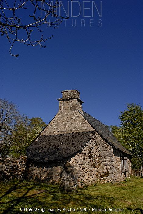 Old rural house, Cantal, France  -  Jean E. Roche/ npl