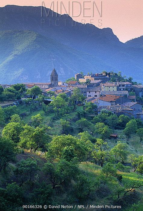 Utelle, Vallee de Vesubie, Alpes-Maritime, Provence, France  -  David Noton/ npl
