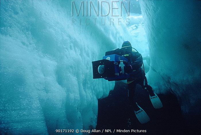 Doug Allan filming under sea ice in Lancaster Sound, Arctic Canada  -  Doug Allan/ npl