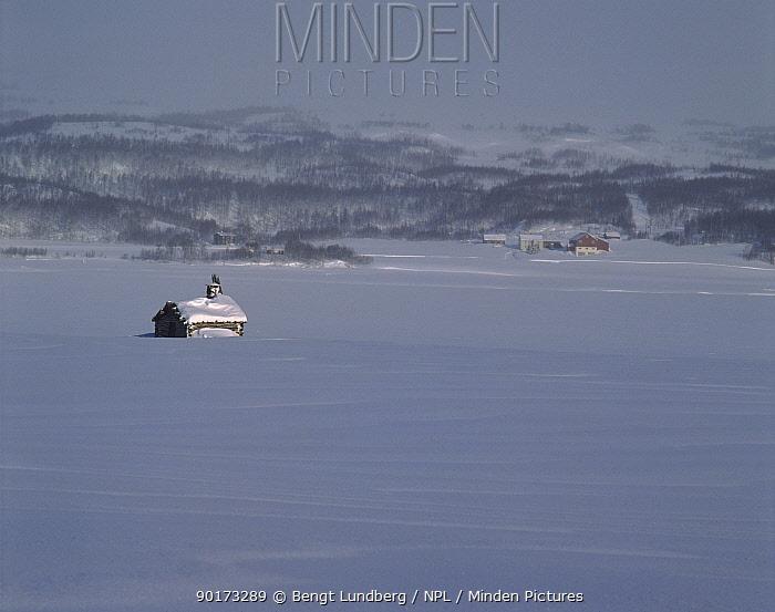 Cabin in winter landscape (February) Jamtland, Northern Sweden, Scandinavia, Europe  -  Bengt Lundberg/ npl