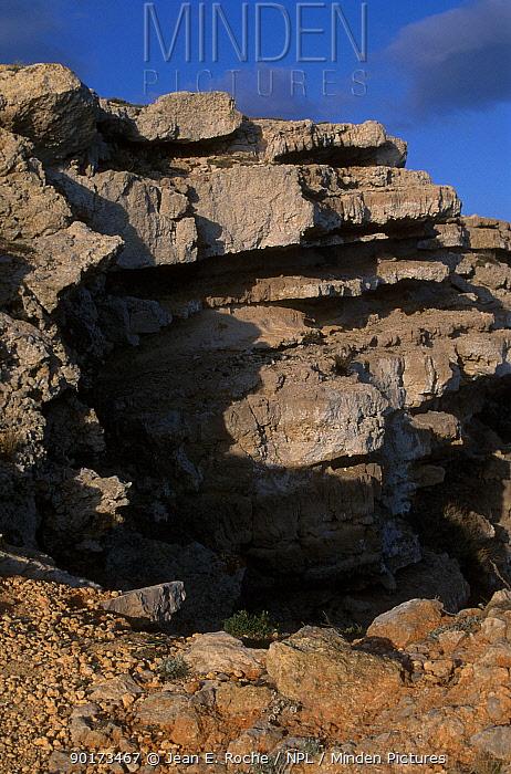 Leucate cliffs Rousillon Languedoc France  -  Jean E. Roche/ npl