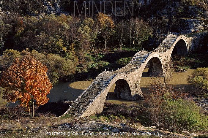 Monk's Bridge, Vikos Gorge, Epirus, Greece, Europe  -  Constantinos Petrinos/ npl
