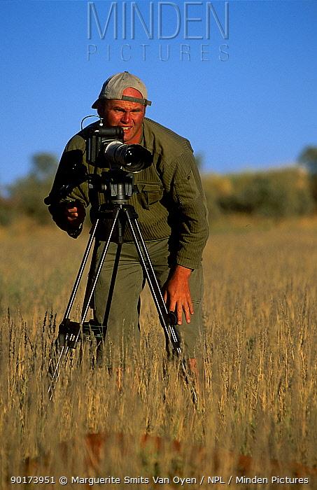 Simon King film maker on Meerkats: Part of a Team Natural World October 2002  -  Marguerite Smits Van Oyen/ npl