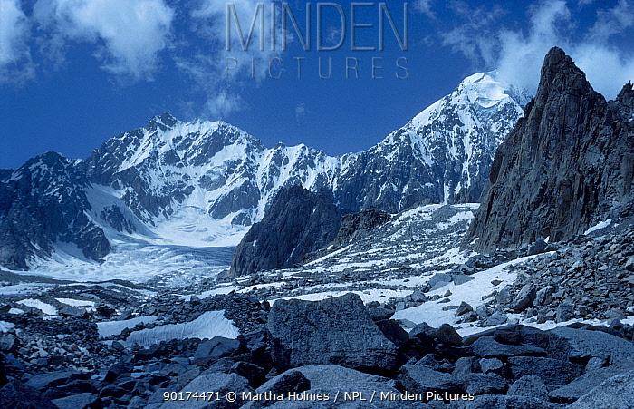 Tirich Mir Hindu Kush mountains Pakistan  -  Martha Holmes/ npl