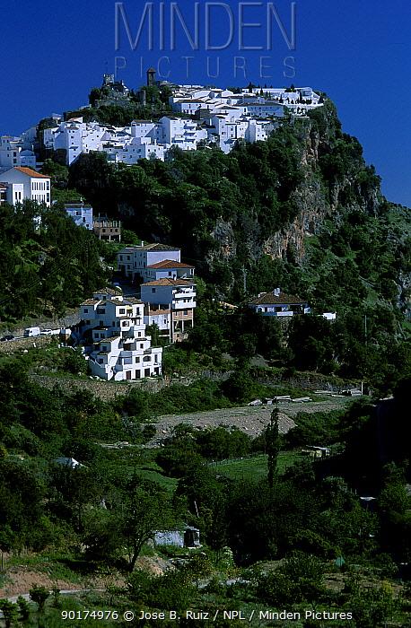 Hilltop village with castle Casares Andulacia Spain  -  Jose B. Ruiz/ npl