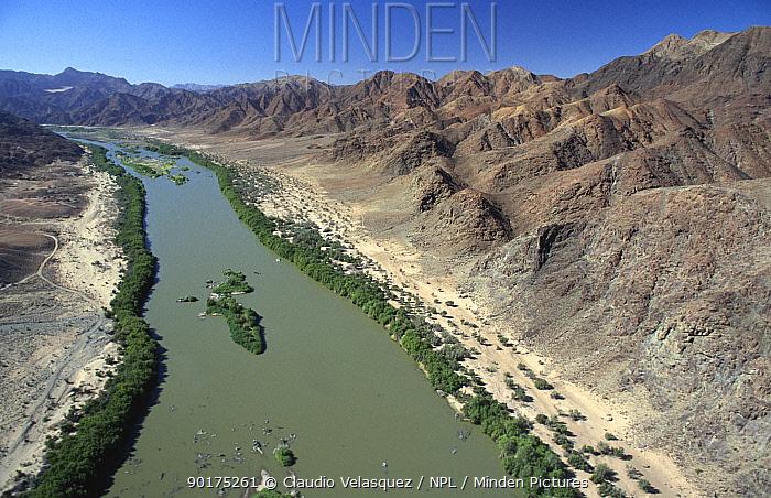 Looking down on Orange river in desert Richtersveld NR, South Africa  -  Claudio Velasquez/ npl