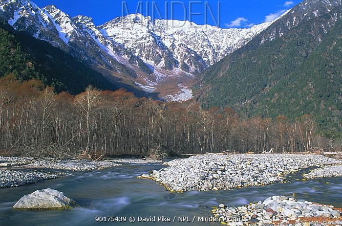 Dake sawa, river, valley, mountains landscape Kamikochi, Japan  -  David Pike/ npl