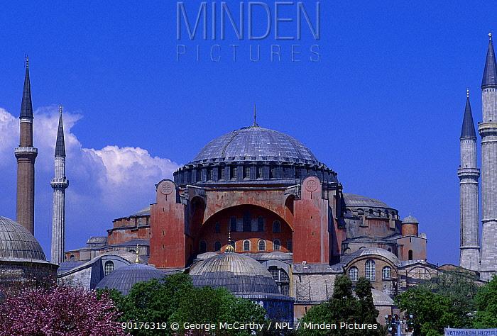 Ayasoya mosque (Red mosque) Istanbul Turkey  -  George Mccarthy/ npl