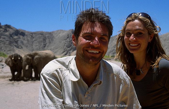 Steve Leonard and Saba Douglas-Hamilton with elephants Hoanib river Namibia Africa  -  Tom Hugh-jones/ npl