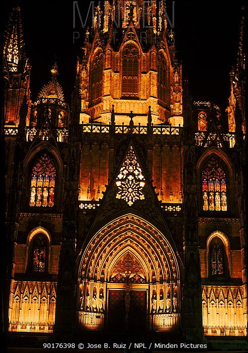 Barcelona cathedral, facade at night Spain, Europe  -  Jose B. Ruiz/ npl