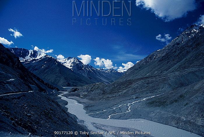 Chandra river Himachal pradesh India  -  Toby Sinclair/ npl