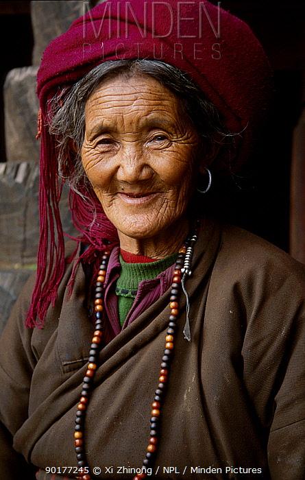 Tibetan woman Degin, Yunnan, China  -  Xi Zhinong/ npl