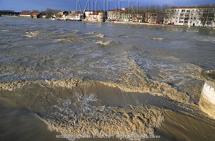 River Rhone in flood, Arles, Camargue, France, December 2003  -  Jean E. Roche/ npl
