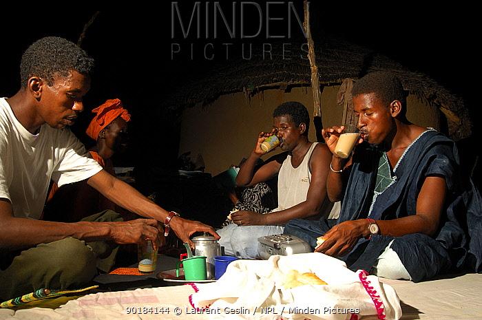 Fulani men enjoying a cup of tea, Mauritania, 2005  -  Laurent Geslin/ npl