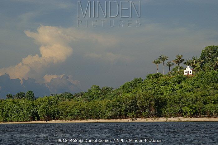 Church overlooking the Rio Negro, Brazil  -  Daniel Gomez/ npl