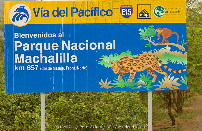 National Park Sign, Machalilla National Park, Eucado  -  Pete Oxford/ npl