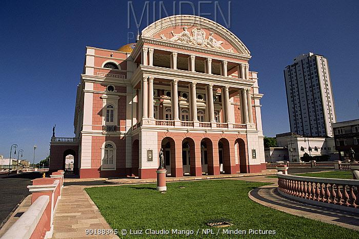 Amazonas theatre, built 1896 during latex rubber boom, Manaus city, Amazonas, Brazil  -  Luiz Claudio Marigo/ npl