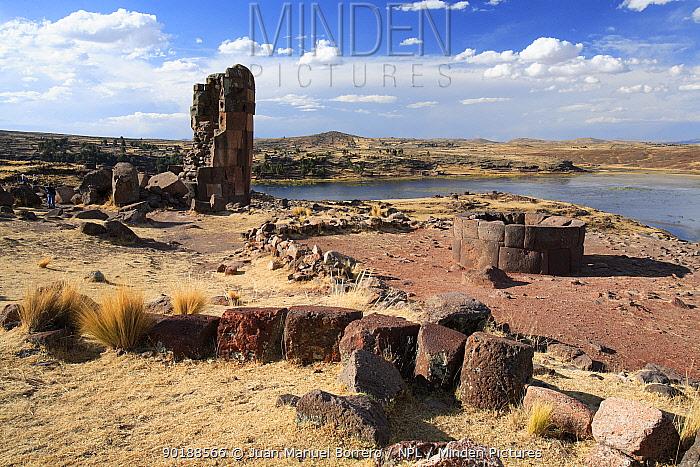 Inca ruins, Archaeological Park of Sillustani, Puno, Peru  -  Juan Manuel Borrero/ npl