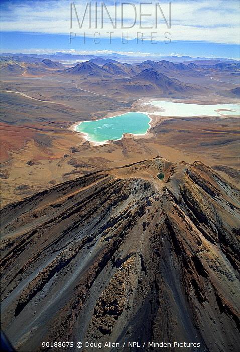 Laguna Verde and extinct volcano Licancabur on the altiplano of Bolivia at 4500m  -  Doug Allan/ npl