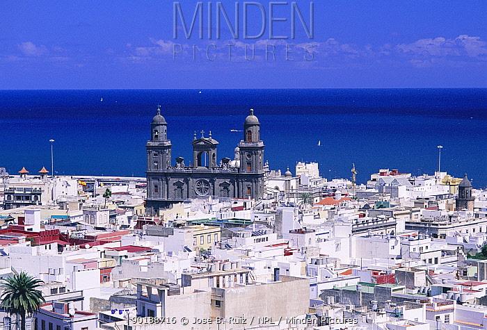 Palmas city with cathedral Gran Canaria, Canary Islands, Spain  -  Jose B. Ruiz/ npl