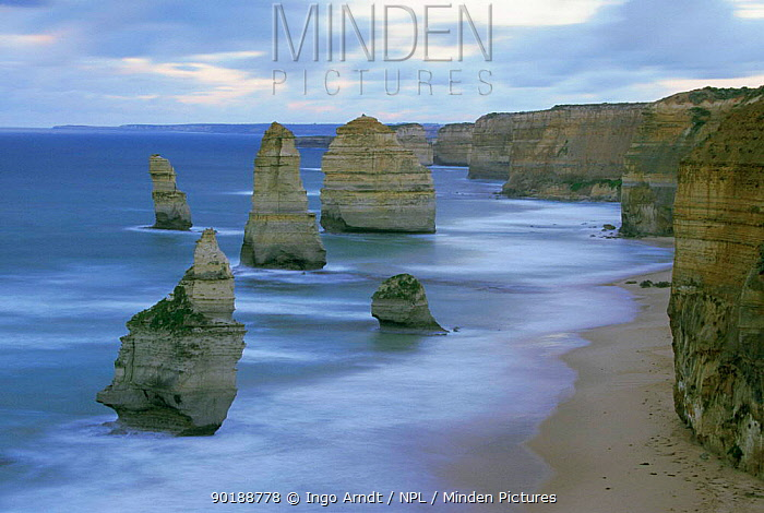 Twelve apostles rock formations, Port Campell NP, New South Wales, Australia  -  Ingo Arndt/ npl