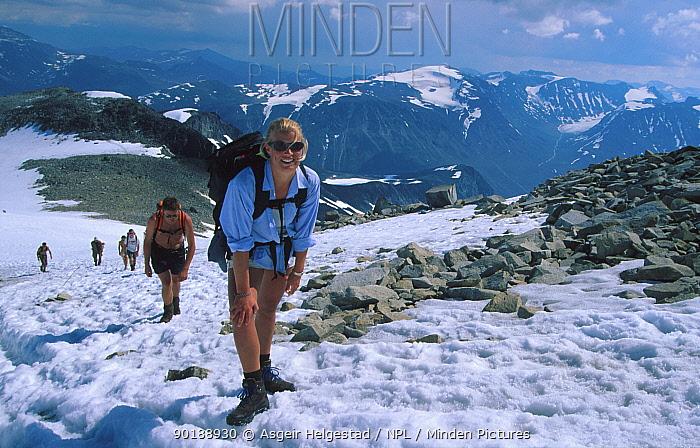 Tourists climb Galdhopiggen, 2468 m, highest mountain in Norway Jotunheimen NP  -  Asgeir Helgestad/ npl