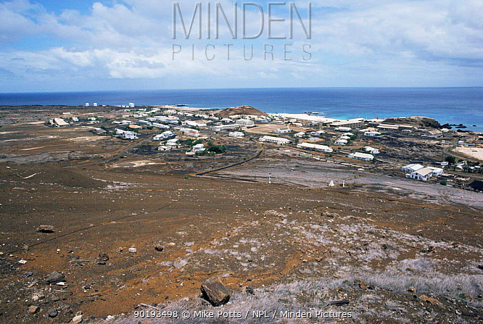 Aerial view of Georgetown, Ascension Island, South Atlantic, January 1987  -  Mike Potts/ npl