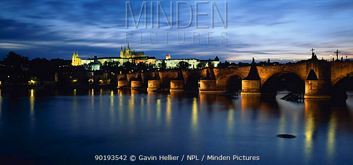 Charles Bridge and river at dusk with St Vitus Cathedral, Prague, Czech Republic  -  Gavin Hellier/ npl