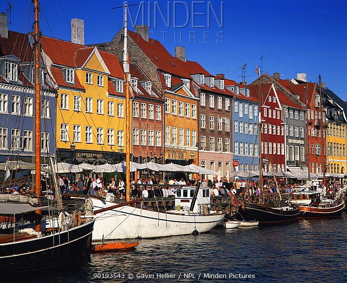 Nyhavn Waterfront District with cafes and restaurants Copenhagen, Denmark  -  Gavin Hellier/ npl