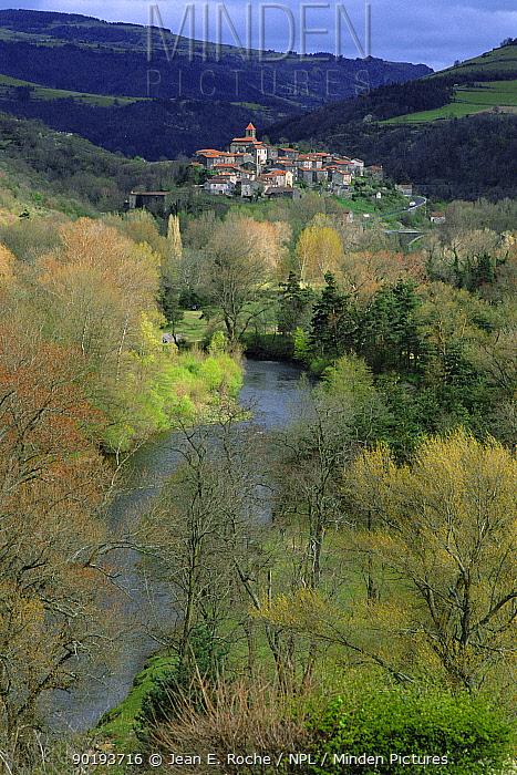 St Arcons village above Allier river, Haut Allier, Auvergne, France  -  Jean E. Roche/ npl