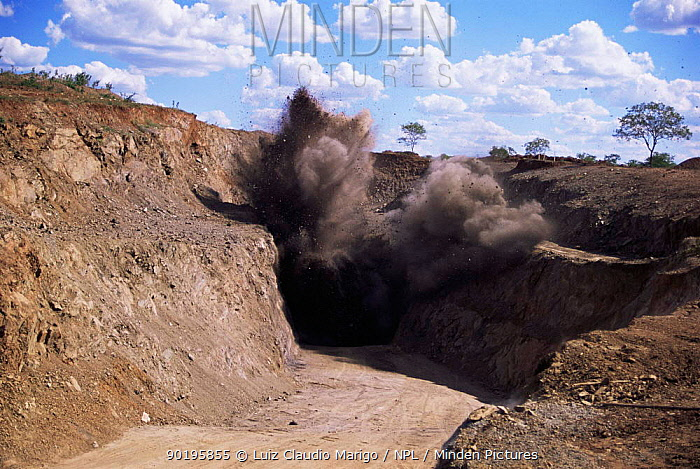 Exploding rock while mining for gold, Fazenda Brasileiro, Bahia, Brazil Vale do Rio Doce company  -  Luiz Claudio Marigo/ npl