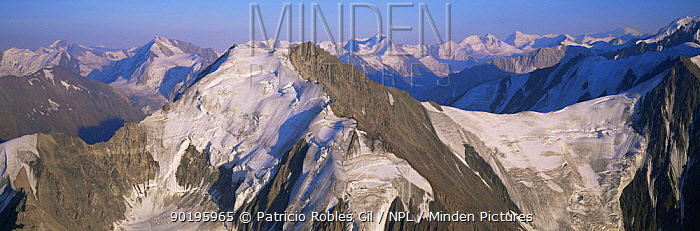 Aerial view of St Elias mountains, Kluane NP, Yukon, Canada  -  Patricio Robles Gil/ npl