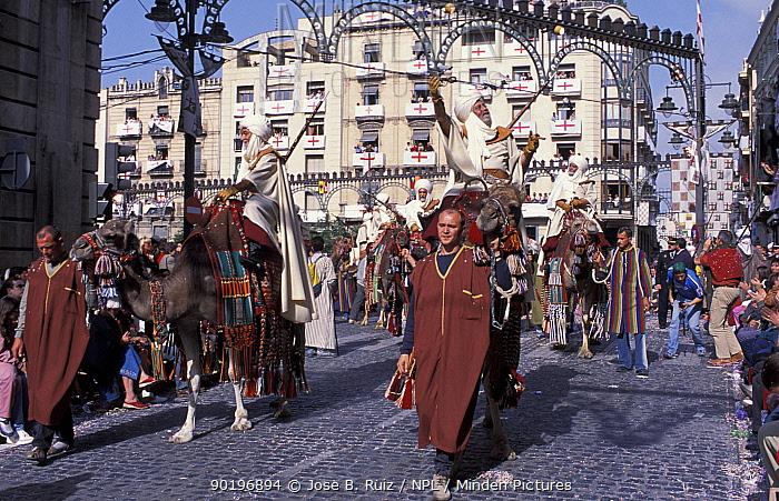 Moros y Cristianos' festival, Entrance of the Moors, Alcoy, Alicante, Spain, 2003  -  Jose B. Ruiz/ npl