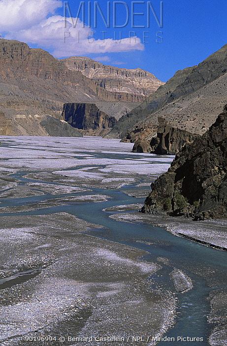 Kali Gandanki river at Kagbeni, view towards Upper Mustang from Lower Mustang, Nepal  -  Bernard Castelein/ npl