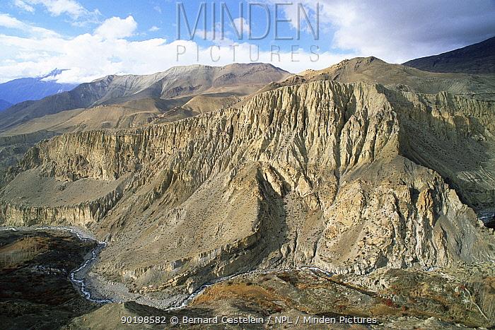 Mountains and gorge of Jhong Khola, tributary of Kali Gandanki river, Mustang, Nepal  -  Bernard Castelein/ npl