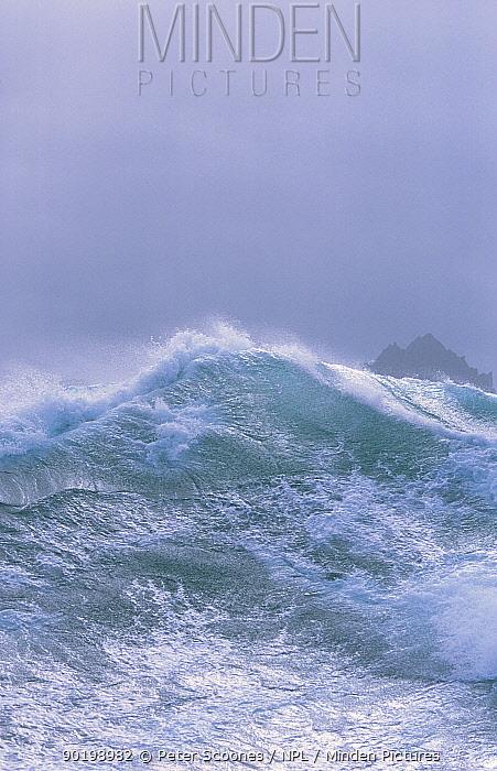 Rough seas Antarctica  -  Peter Scoones/ npl
