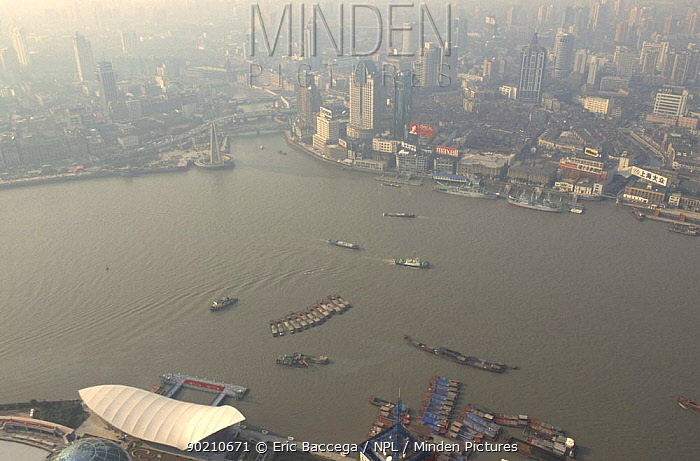 Aerial view of boats on the River Huangpu, Shanghai, China  -  Eric Baccega/ npl