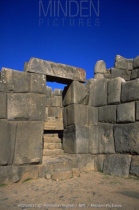 Stone door detail Saqsaywaman, historial Inca site close to Cusco, Peru, South America  -  Hermann Brehm/ npl