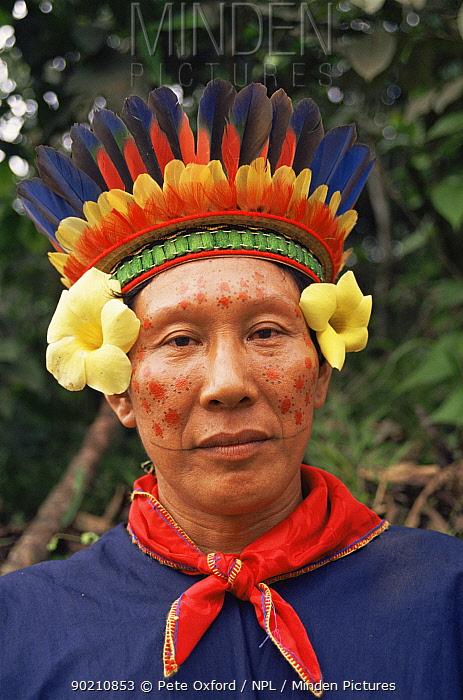 Cofan Indian head portrait, Rio Agua Rico Ecuadorian Amazon, wearing traditional clothing and feather headress  -  Pete Oxford/ npl