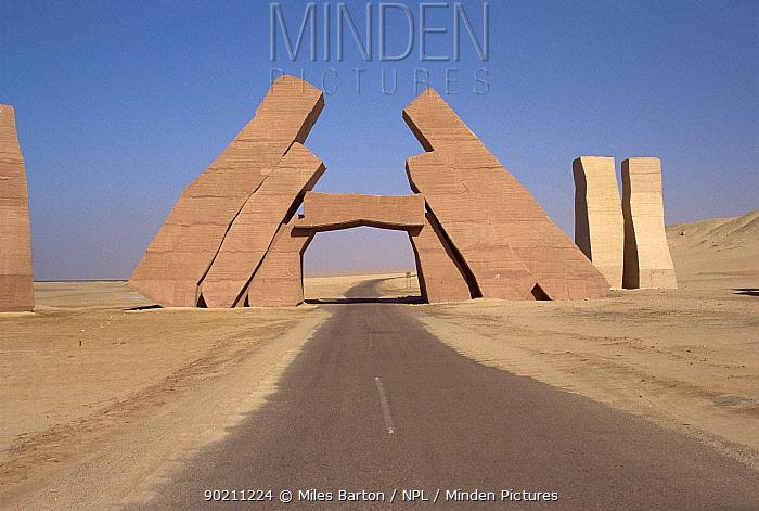 Gateway to Ras Mohammed NP, Sinai Peninsula, Egypt  -  Miles Barton/ npl