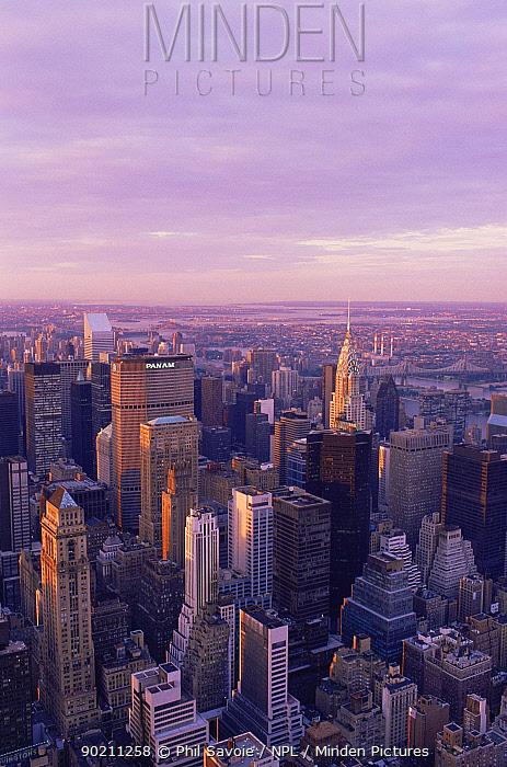 Aerial view of midtown Manhattan at dusk, New York, USA  -  Phil Savoie/ npl