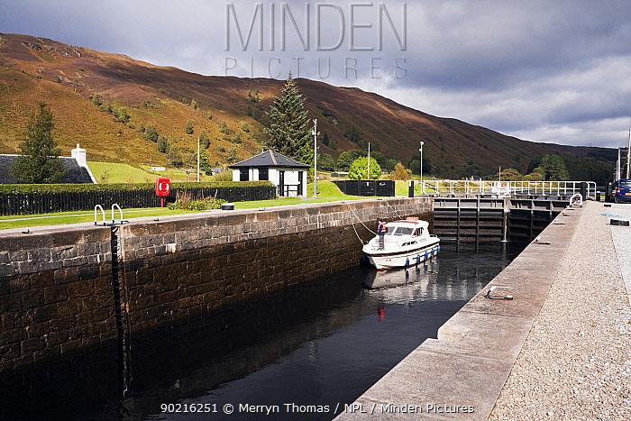 Motorboat in Laggan Locks, Caledonian Canal, Great Glen, Highlands, Scotland September 2010  -  Merryn Thomas/ npl