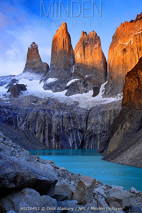 First light over Torres del Paine, Torres del Paine National Park, Patagonia, Chile, Janaury 2006  -  Oriol Alamany/ npl