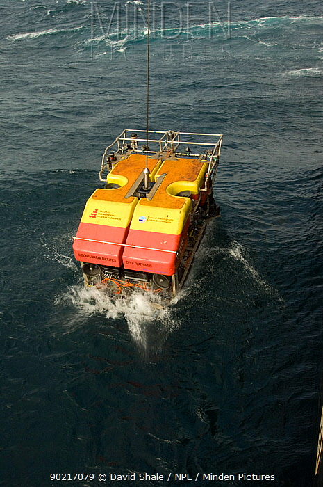 Launching ROV Isis (remotely operated vehicle) into the sea from James Cook research vessel over the mid Atlantic ridge, June 2010  -  David Shale/ npl