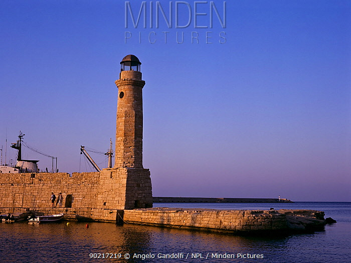 The lighthouse of Rethimno Crete, Greece  -  Angelo Gandolfi/ npl