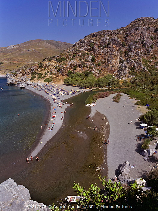 Preveli beach, at the mouth of the river Megalos Potamos, can be reached only on foot or by boat Crete, Greece  -  Angelo Gandolfi/ npl