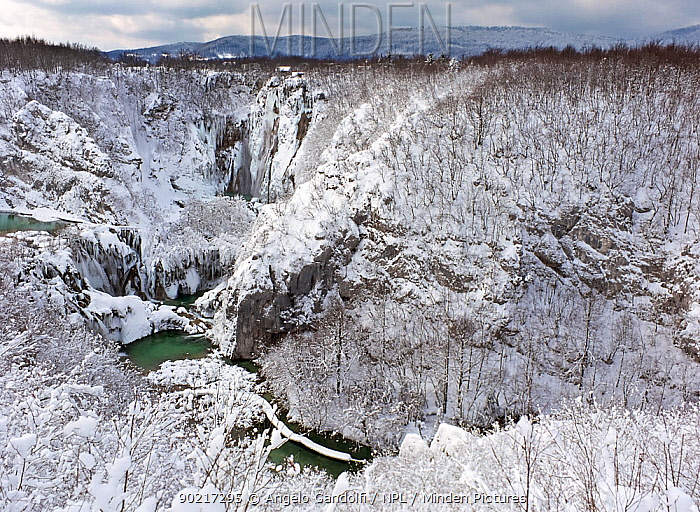 Sastavci falls and Korana gorges, after snowfall in winter, Plitvice Lakes National Park, Croatia  -  Angelo Gandolfi/ npl