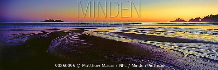 Dawn light over beach sands Florencia Bay,  -  Matthew Maran/ npl